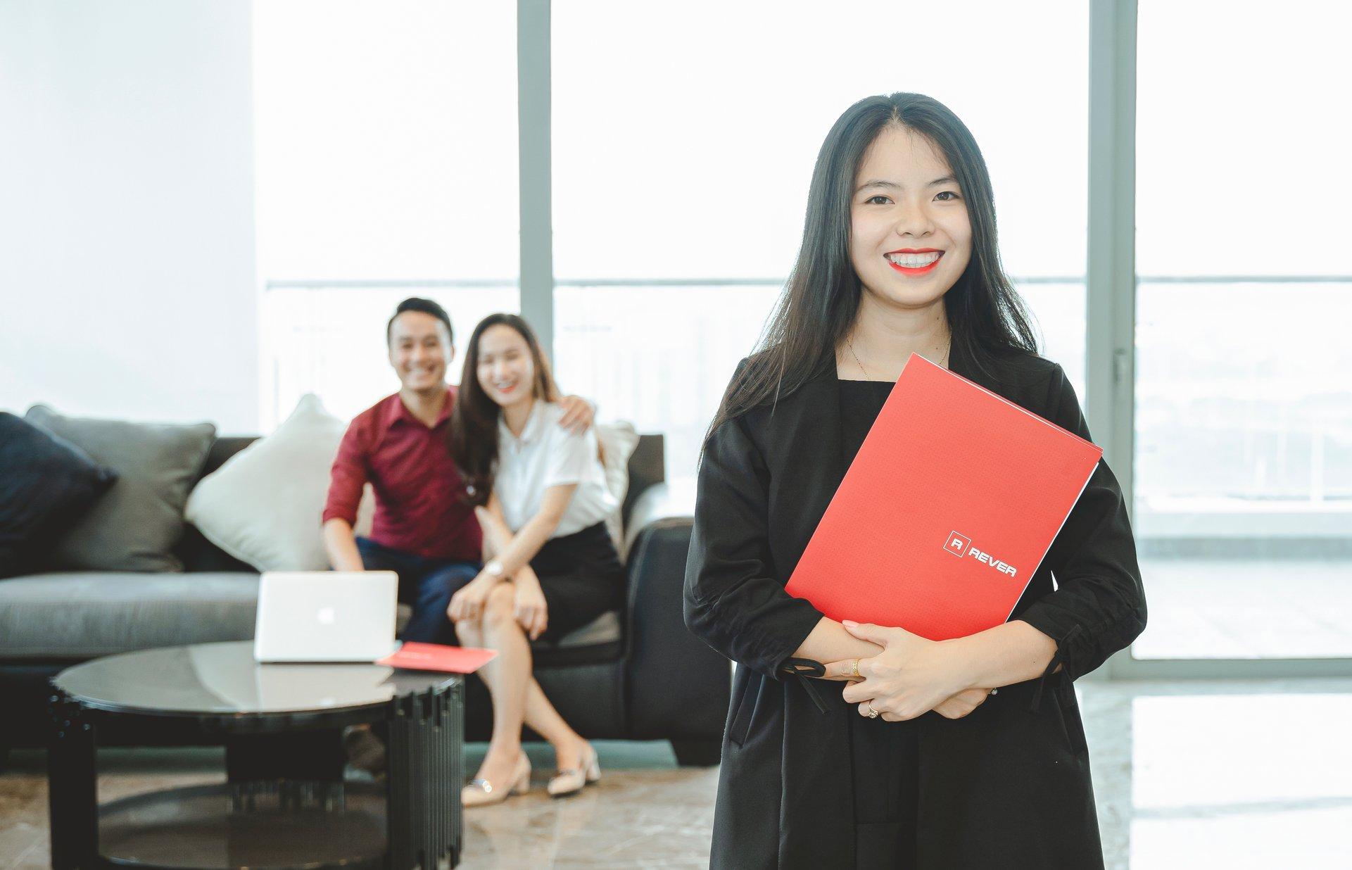 Làm thế nào để nhân viên môi giới bất động sản mới có được khách hàng?