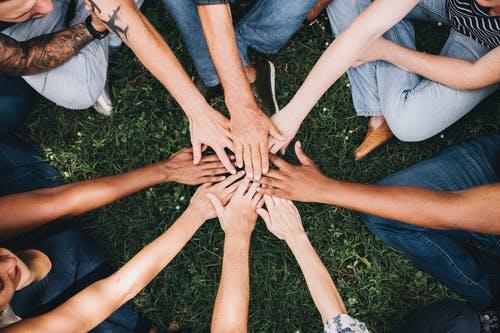 Bán hàng theo đội nhóm, bí quyết thành công nhanh chóng cho môi giới